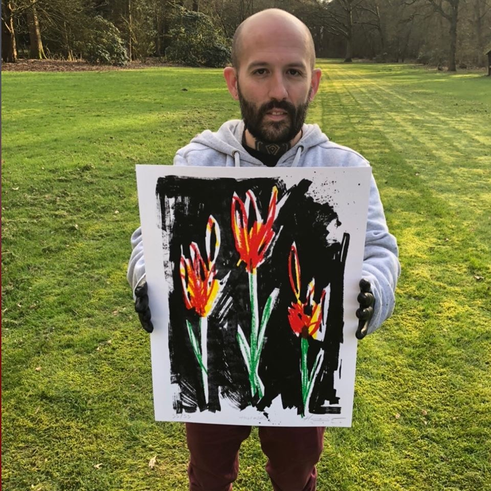 "AVAILABLE A. ""La Noche de los Tulipanes""/Collector Edition size: 33/Size: 30 x 40 cm/Year: 2020/Price: 35´- euros (incl. BTW/tax, excl. shipping)/Characteristics: Serigraphy on 300 gsm paper with embossed"